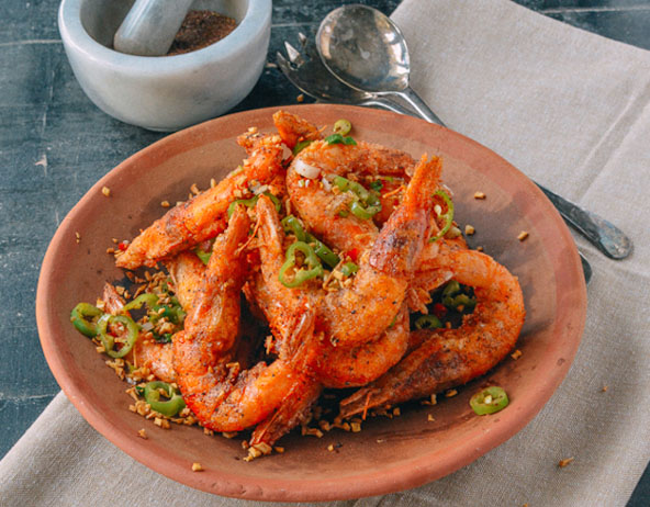 Salt-crusted citrus shrimp with chili dipping sauce